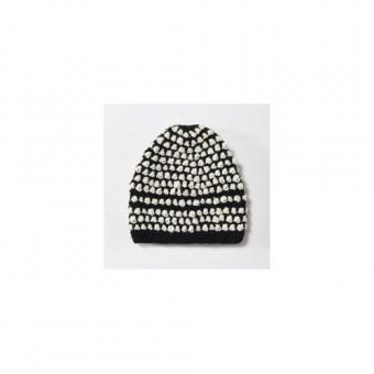 Beanie with dots